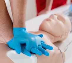 UETTDRRF10 - Provide first aid in an ESI environment